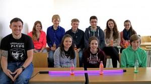 MINT-Camp 2017 im Rahmen des Projektes MINToringSi – Teilnehmende des Chemieworkshops mit ihren selbstgebauten Lava-Lampen und betreuende MINToren.